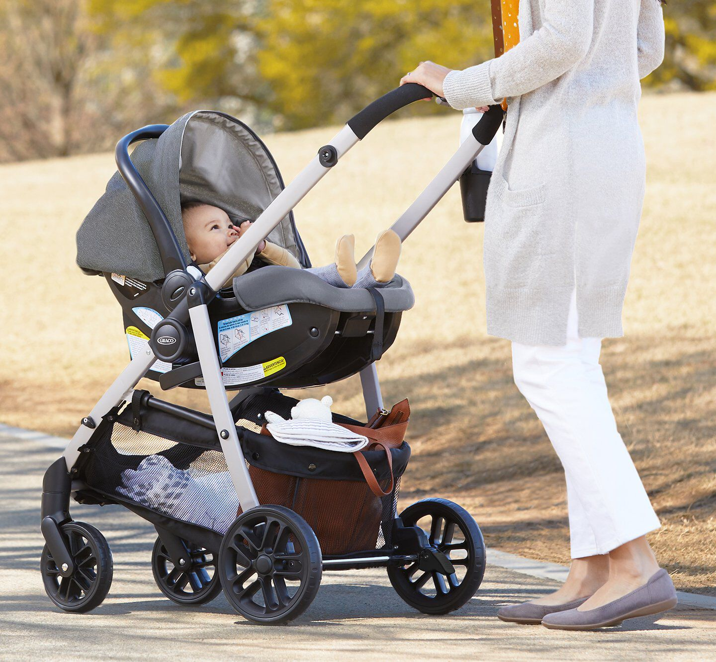 infant in stroller that you can affix your infant car seat to