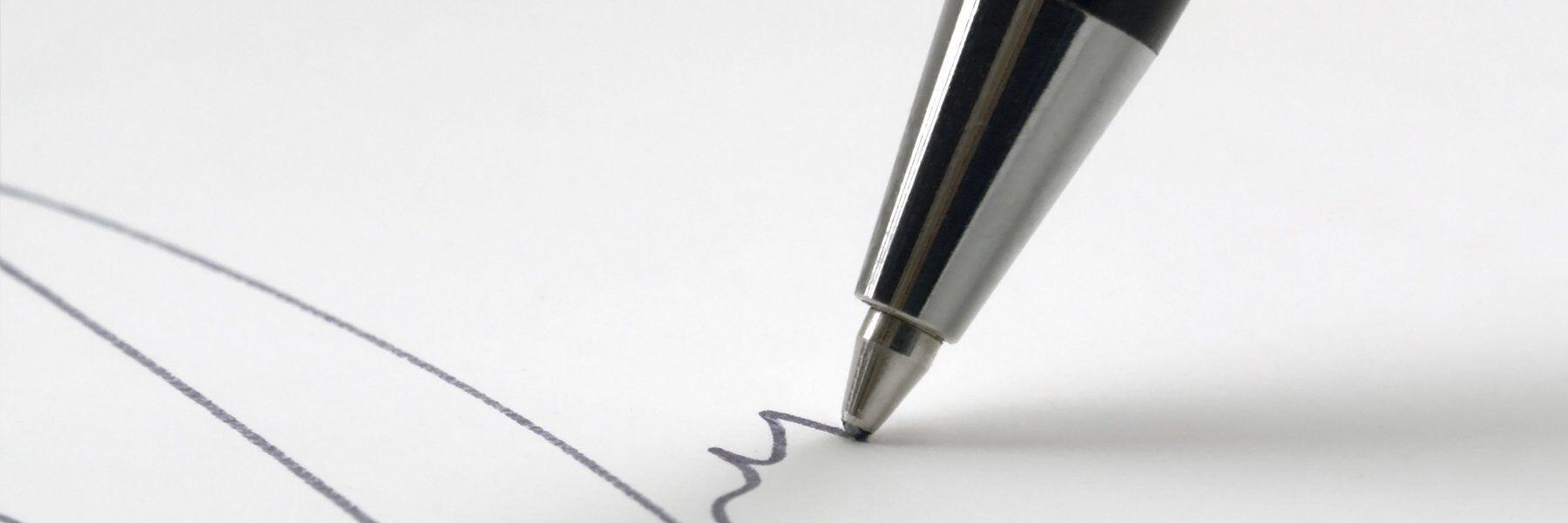 zoom in of pen in use